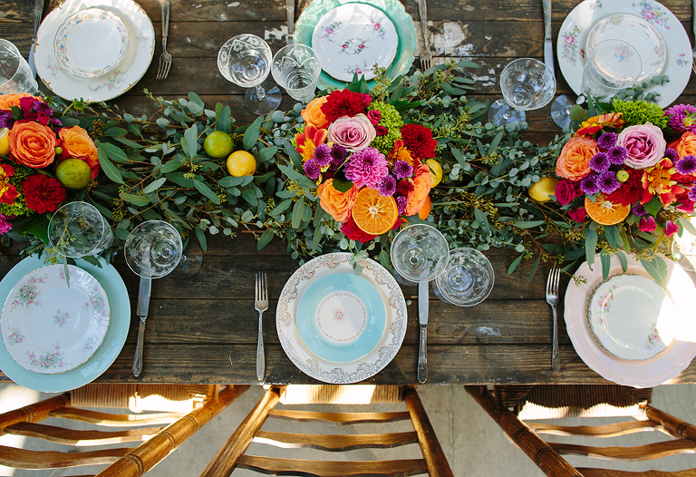 wedding-table-with-summer-florals-and-vintage-place-settings