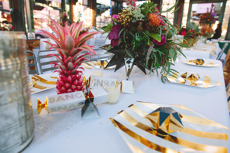 modern-colorful-wedding-decor-with-pineapples