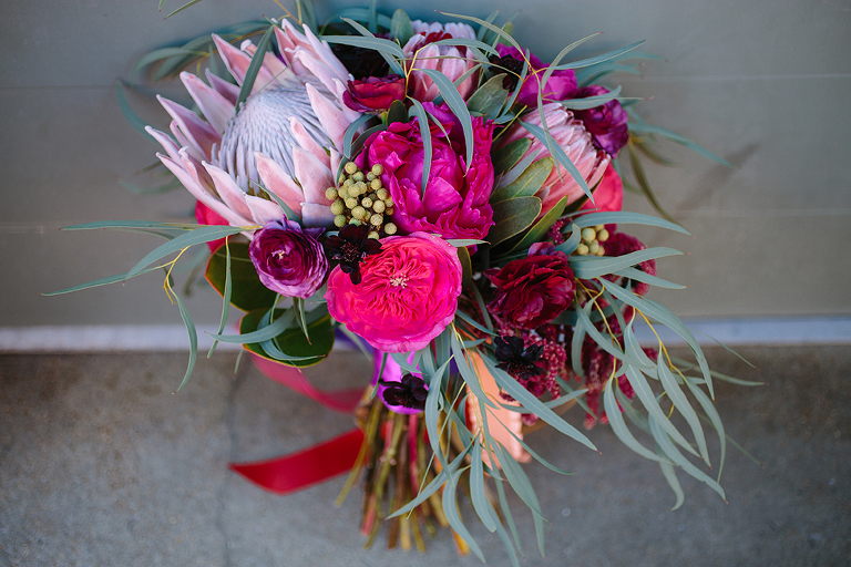 wedding-bouquet-with-king-protea